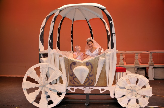 Large_Styrofoam_Cinderellas_Carriage